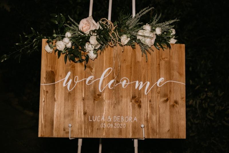 Targhetta Benvenuti in legno per ospiti matrimonio - wedding planner siena