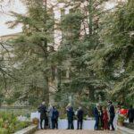 Aperitivo nel giardino della Badia a Monastero Siena Toscana
