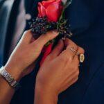 Bottoniera sposo con rosa rossa | organizzatrice eventi Siena Toscana